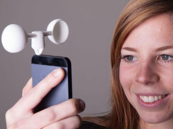 vaavud_wireless_wind_meter_for_iPhone-5