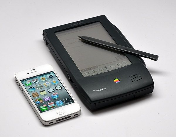 Newton_MessagePad_120_stylus-iphone