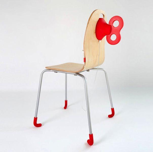 Pega WindUp - стул с зарядкой для iPhone