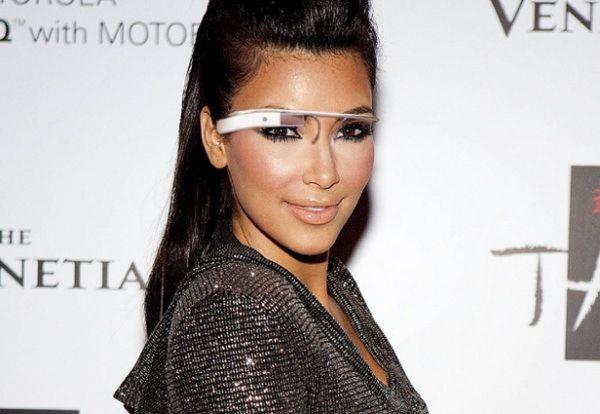 Ким Кардашян в очках google_glass