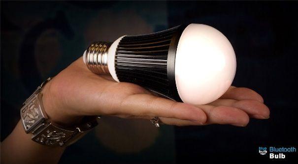 Беспроводная лампочка Bluetooth blue bulb