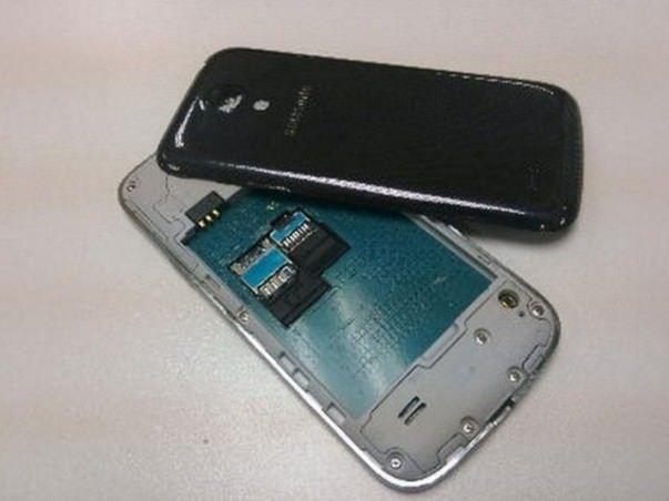 Samsung_Galaxy_S4_Mini_vnutry