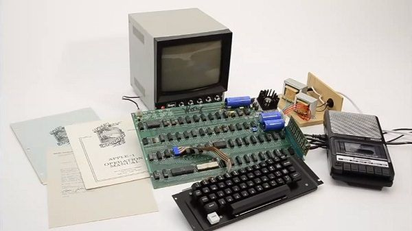 apple-1-auction (1)