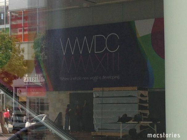 Apple_setting-up-for-WWDC_2013