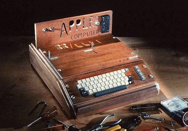 Первый компьютер Apple 1