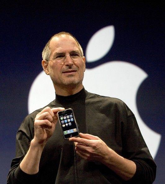 Стив Джобс iPhone 2G