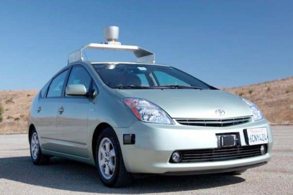 Google работает над собственным авто