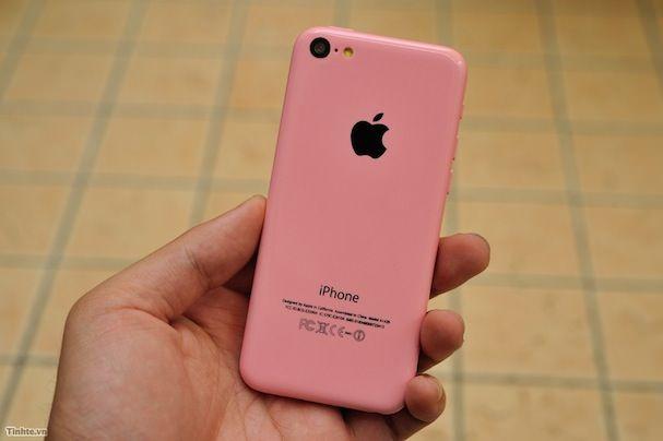 розовый бюджетный iPhone