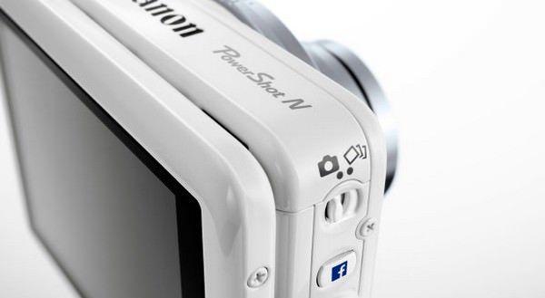 фотоаппарат с кнопкой моментальной загрузки снимков на FaceBook