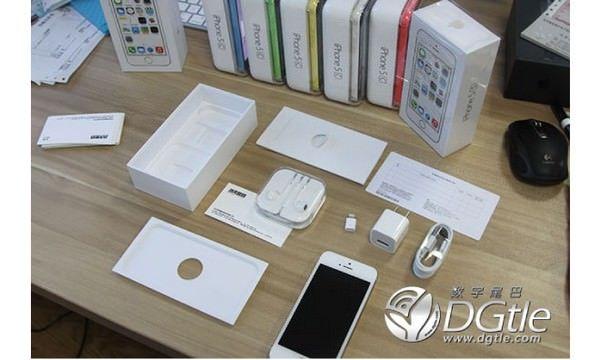 Распаковка (unboxing) iPhone 5S