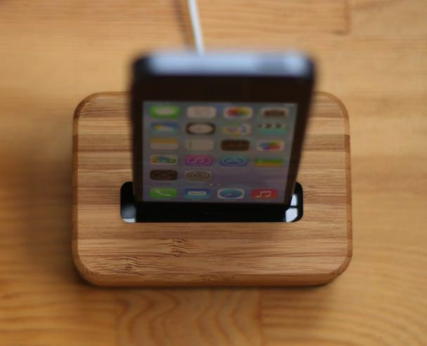 Groove Dock док-станция для iphone из металла и дерева