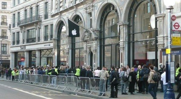 Британские ритейлеры рассчитывают начать продажи новых iPhone 20 сентября