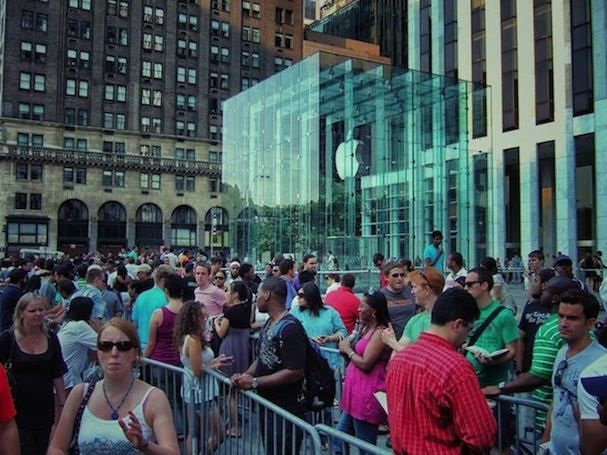 iPhone 5 Launch apple store