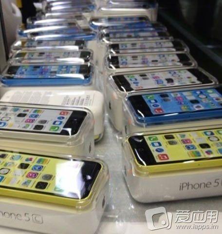 Новые фотографии iPhone 5C – теперь в упаковке