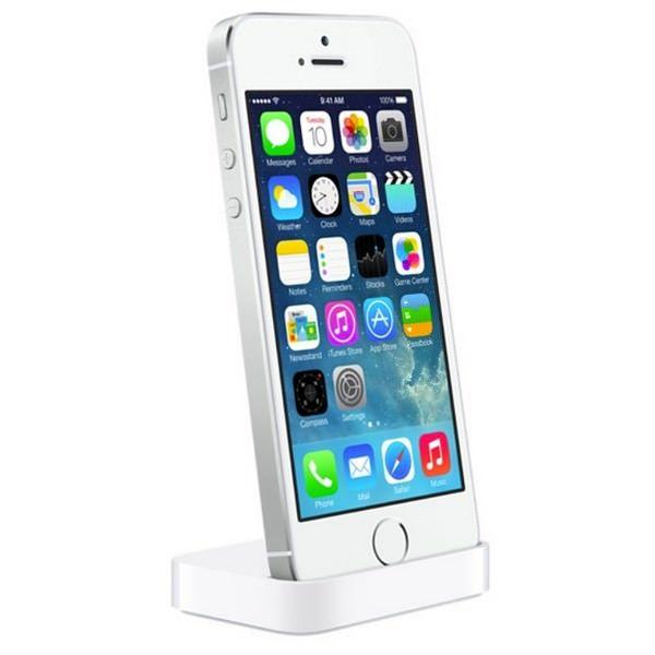 Apple представила док-станции для iPhone 5S и iPhone 5C