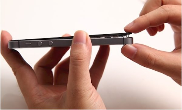 how_to_replace-the_iphone_5s-cracked-screen