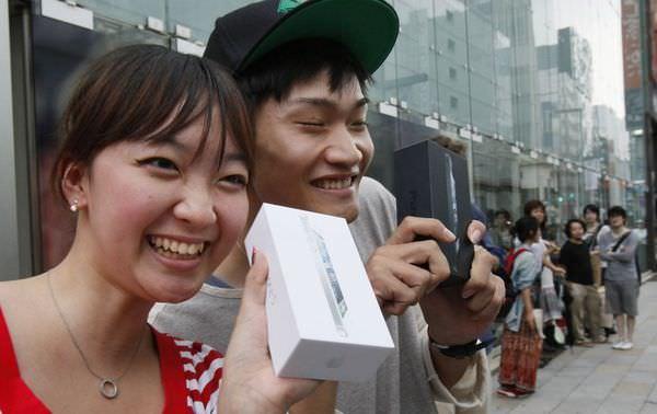 Смартфоны iPhone снова первые