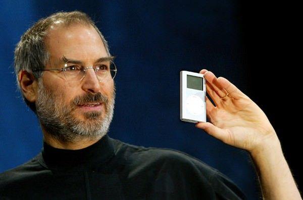 iPod с автографом Стива Джобса