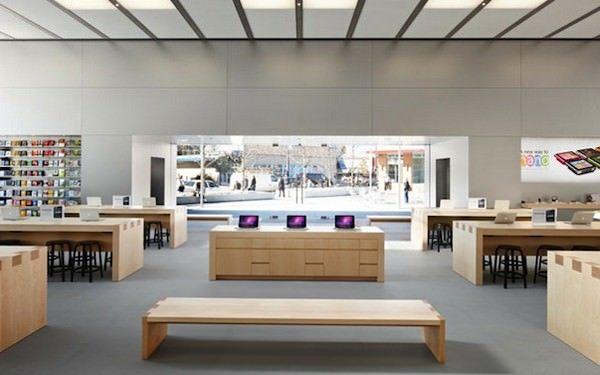 Первый российский Apple Store