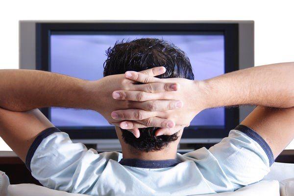 Популярность традиционных телевизоров среди россиян падает