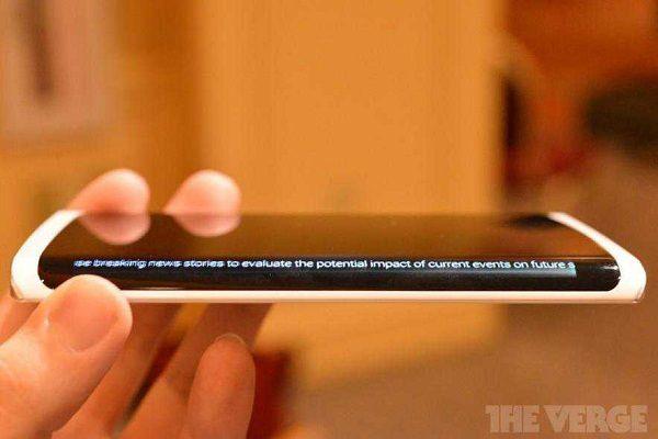 Samsung телефон с трехсторонним дисплеем