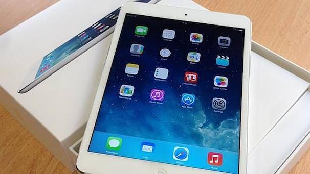 распаковка ipad mini 2 с дисплеем retina