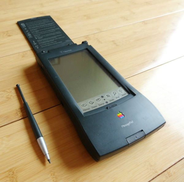 Apple_Newton_Messandger_110