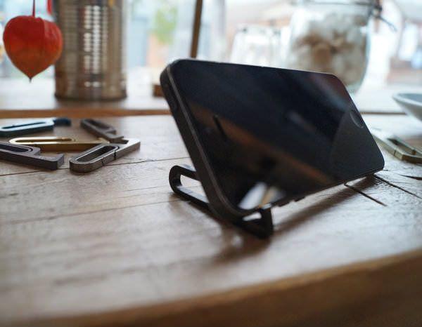 Стойка для iPhone TiStand