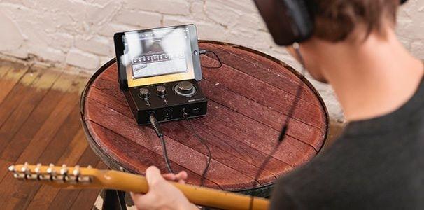 док-станция для iPad с возможностью профессиональной записи музыки Griffin