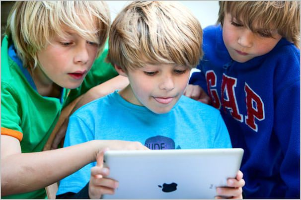 iPad в школах Лос Анджелеса