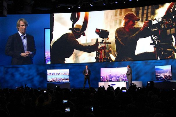 Майкл Бэй на презентации телевизора Samsung