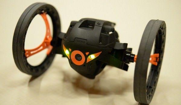 Parrot представила двух новых роботов