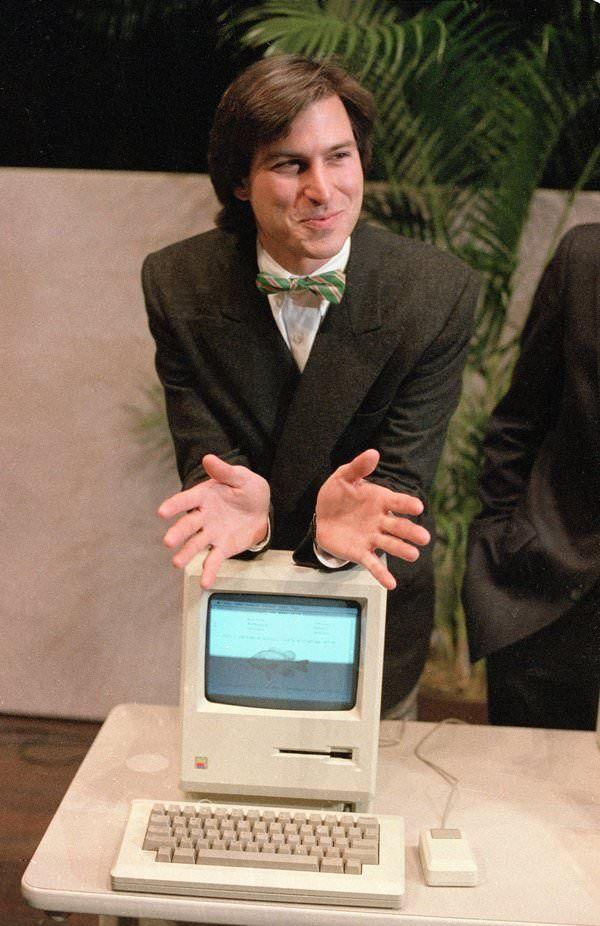 Первый макинтош Стив Джобс