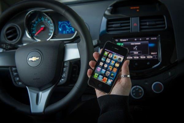 Chevrolet показала возможности Siri Eyes Free