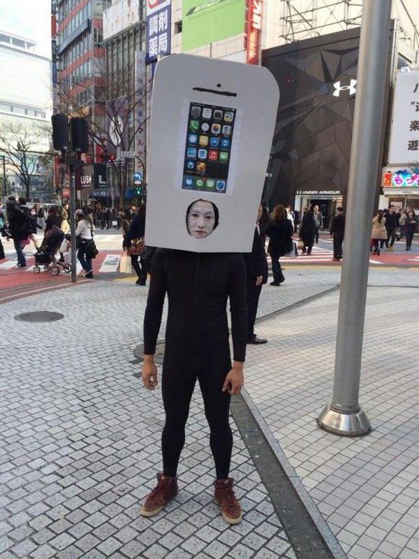 блоггер уже занял очередь за iPhone 6