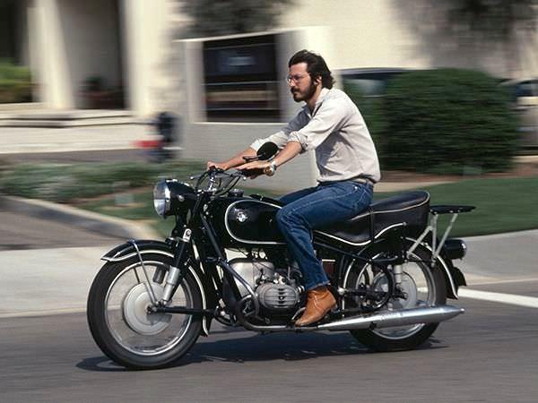Стив Джобс на мотоцикле