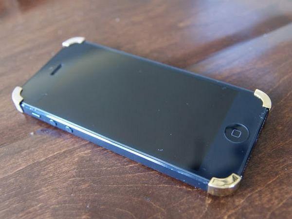крохотный чехол для iPhone