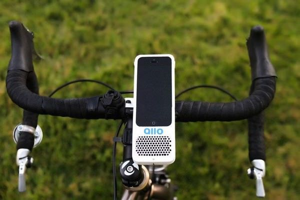 крепление-динамик для iPhone