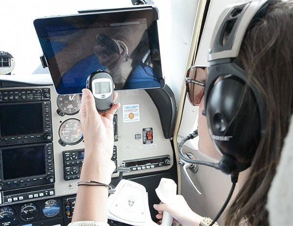 Bluetooth GPS приемник для iPad