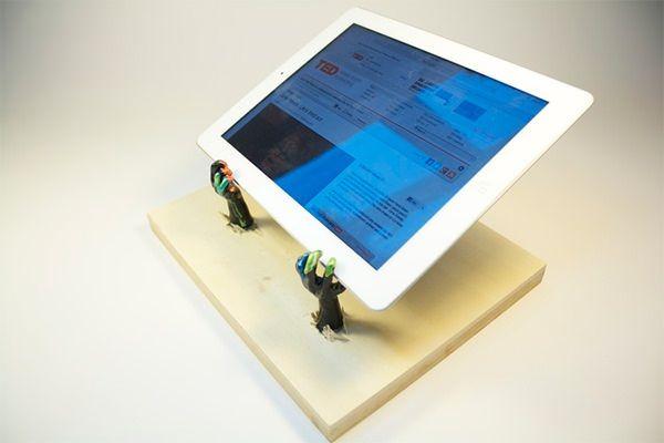 Креативная подставка iPad