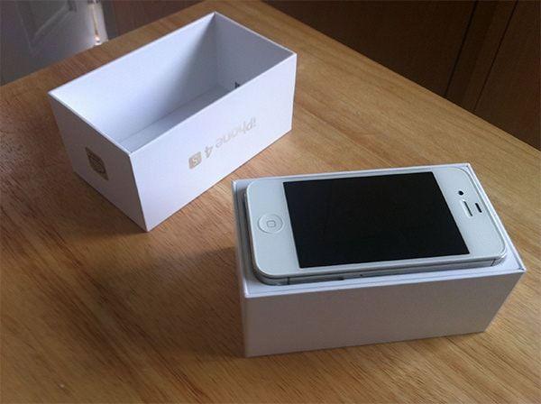 iPhone в упаковке