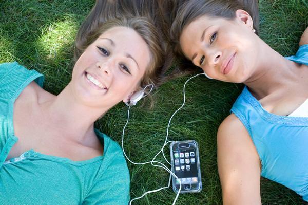 iPhone и iPad популярны среди подростков