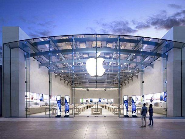 Apple Store остался без руководителя