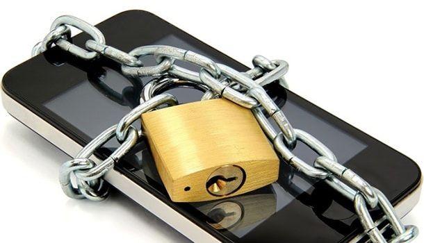 iPhoone не подвержен атакам вирусов