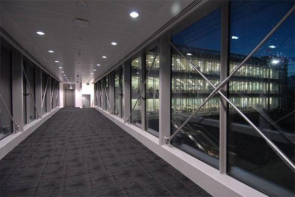 В сети появились новые фото здания Apple
