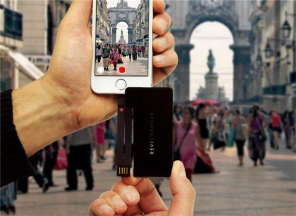 Revi Charger зарядное устройство размером с визитку