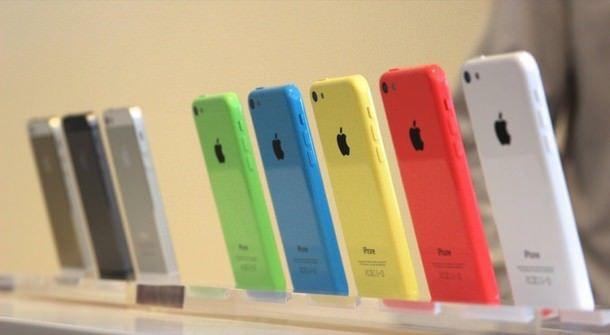 Объемы продаж iPhone в России
