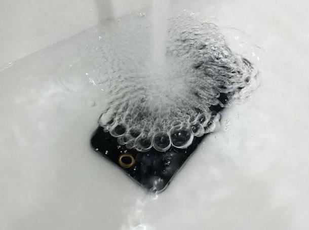 iphone 6 водонепроницаем