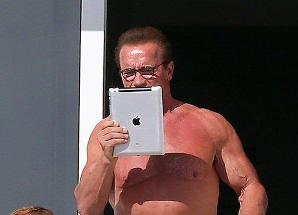 Арнольд Шварценеггер iPad