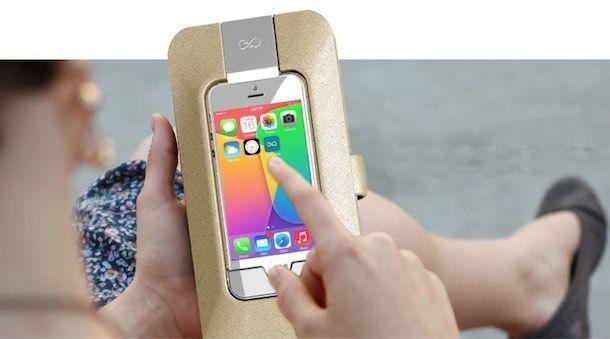 женская сумка с зарядкой для iPhone
